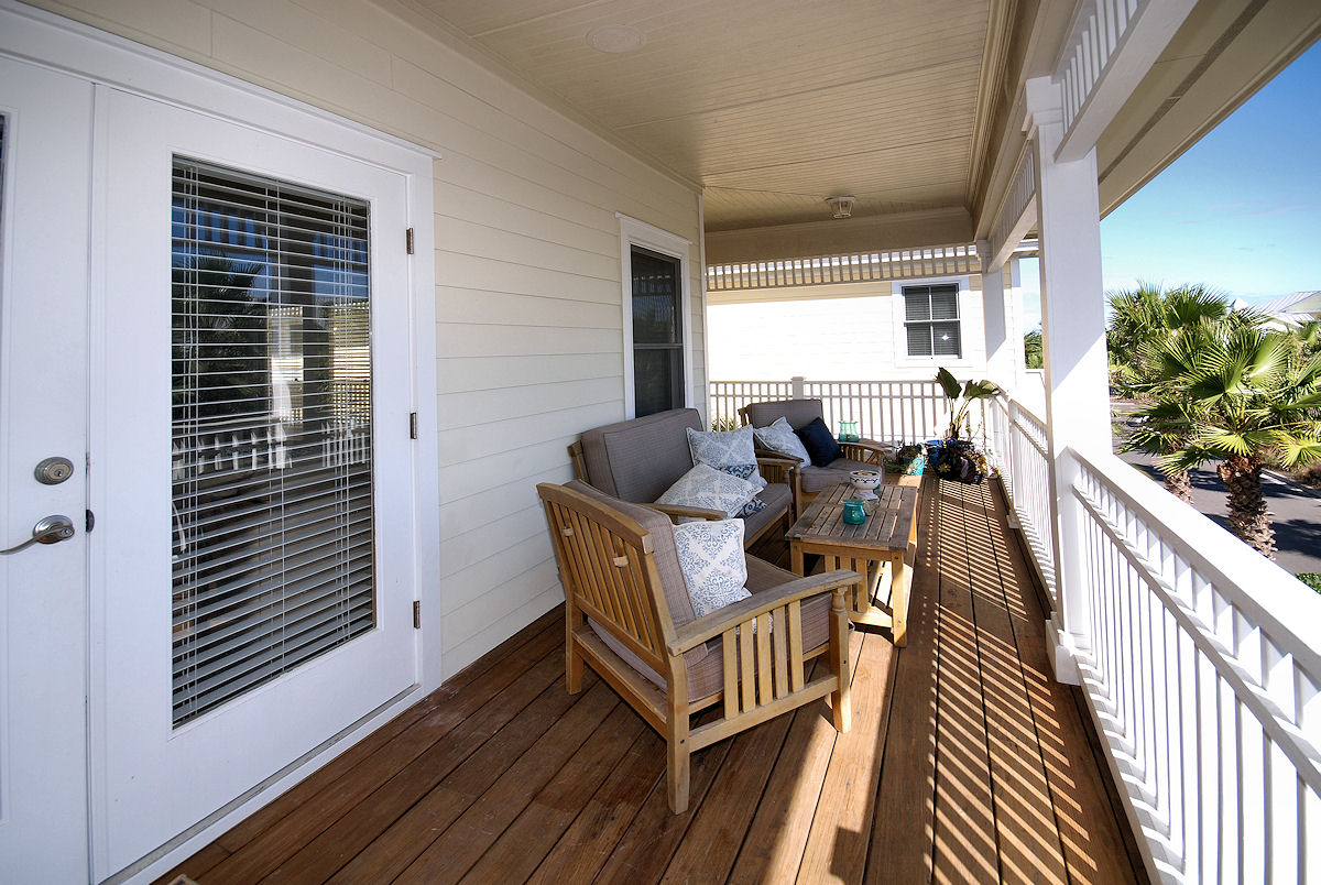 Florida st augustine real estate florida realty for Balcony upstairs